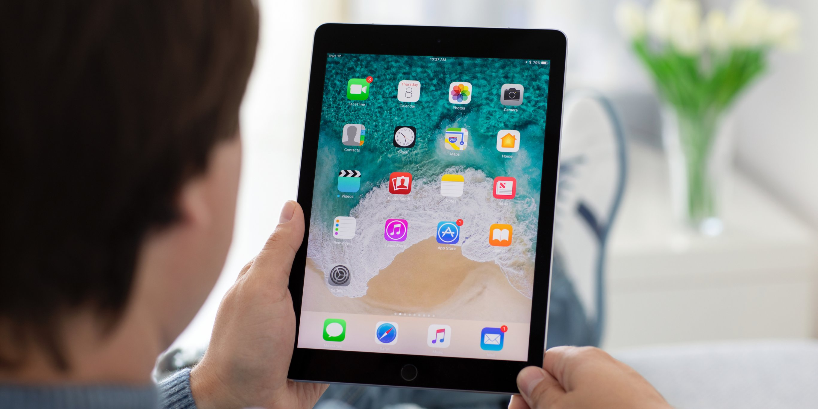 How to empty trash on your iPad in 4 different apps to free up storage space