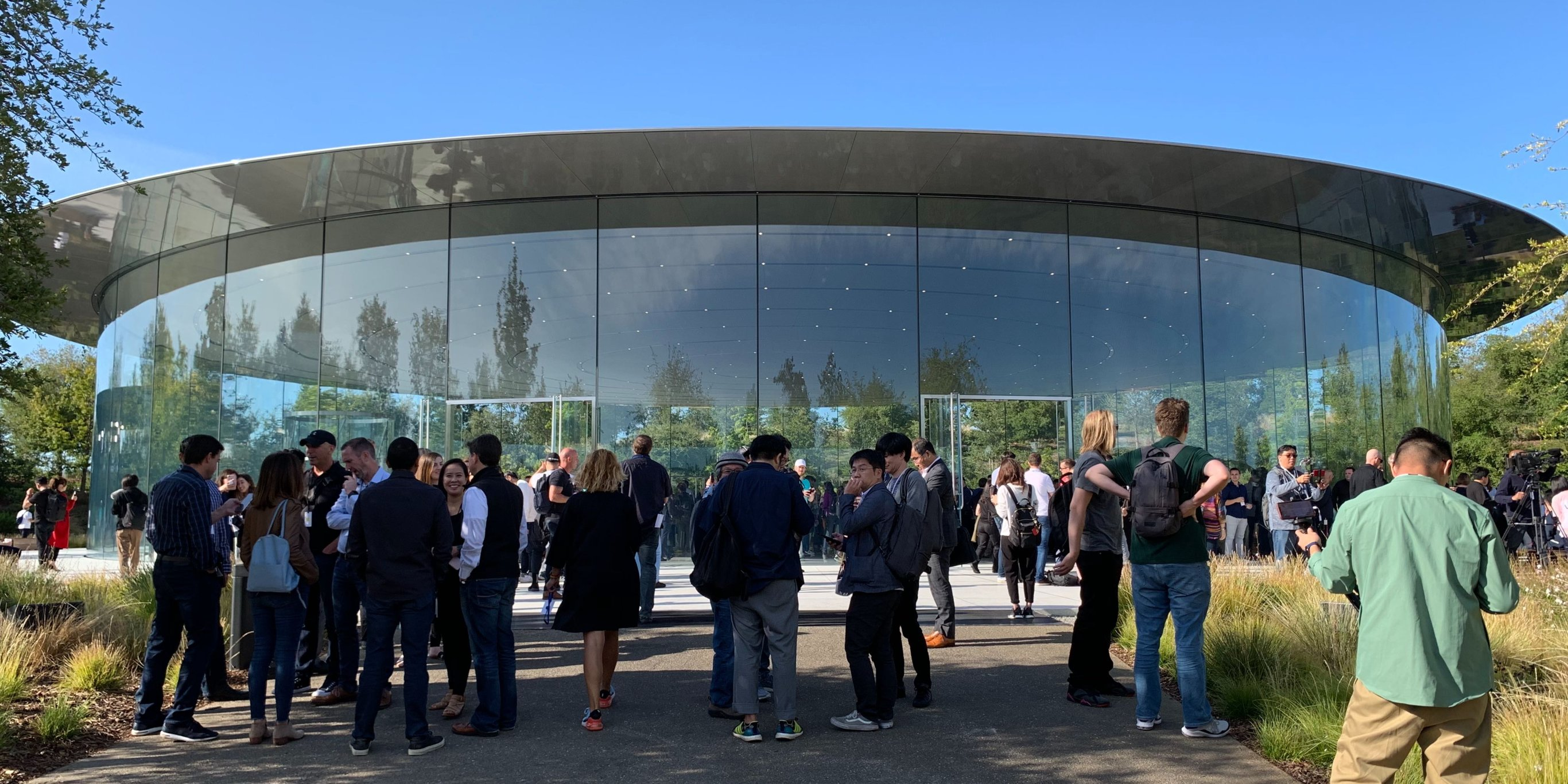 LIVE: Apple is minutes away from announcing new iPhones at its biggest event of the year (AAPL)
