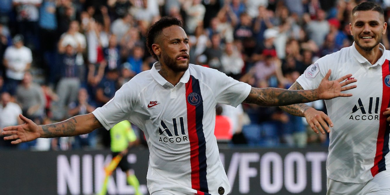 Neymar was booed by PSG fans against RC Strasbourg, but silenced them by scoring an injury time overhead kick to win the game