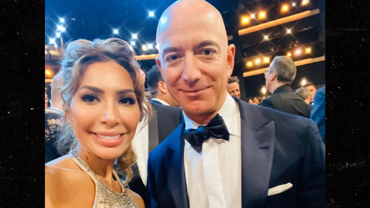Jeff Bezos Takes Emmys Selfie with Farrah Abraham After Twinning with GF