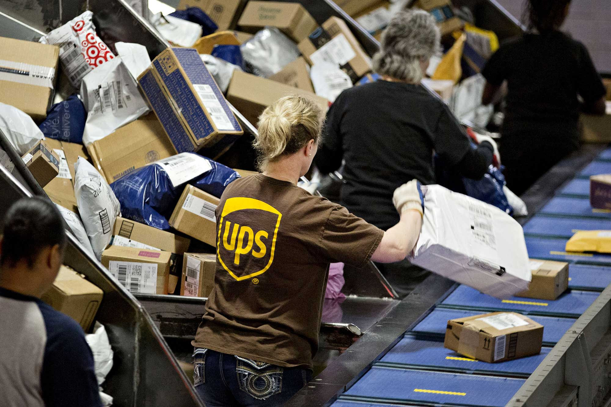 UPS shares fall, despite earnings beat, as COO retirement throws wrench in succession plans
