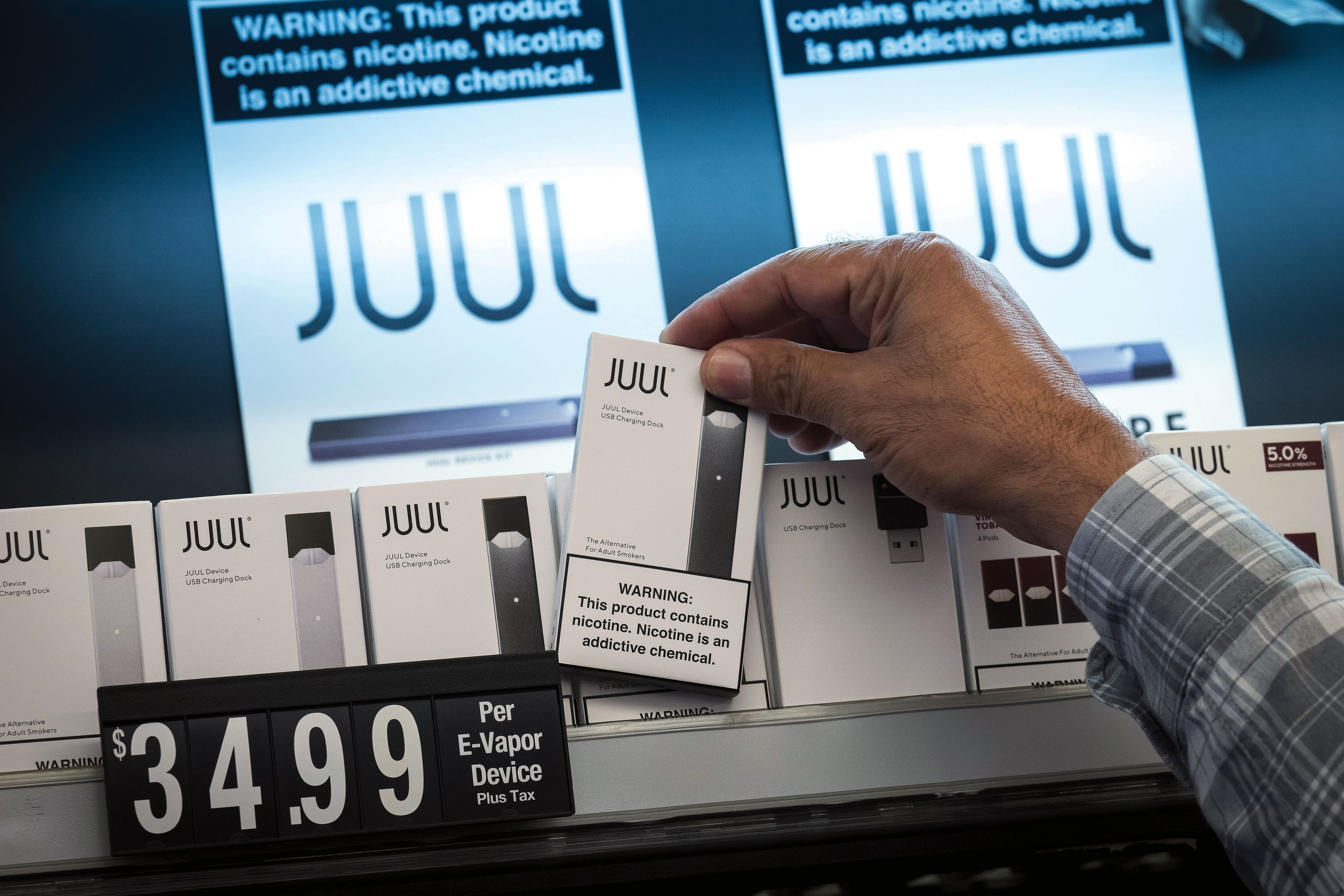 "Former FDA chief: ""I don't see how"" regulators keeps Juul, other e-cigarettes, on the market"
