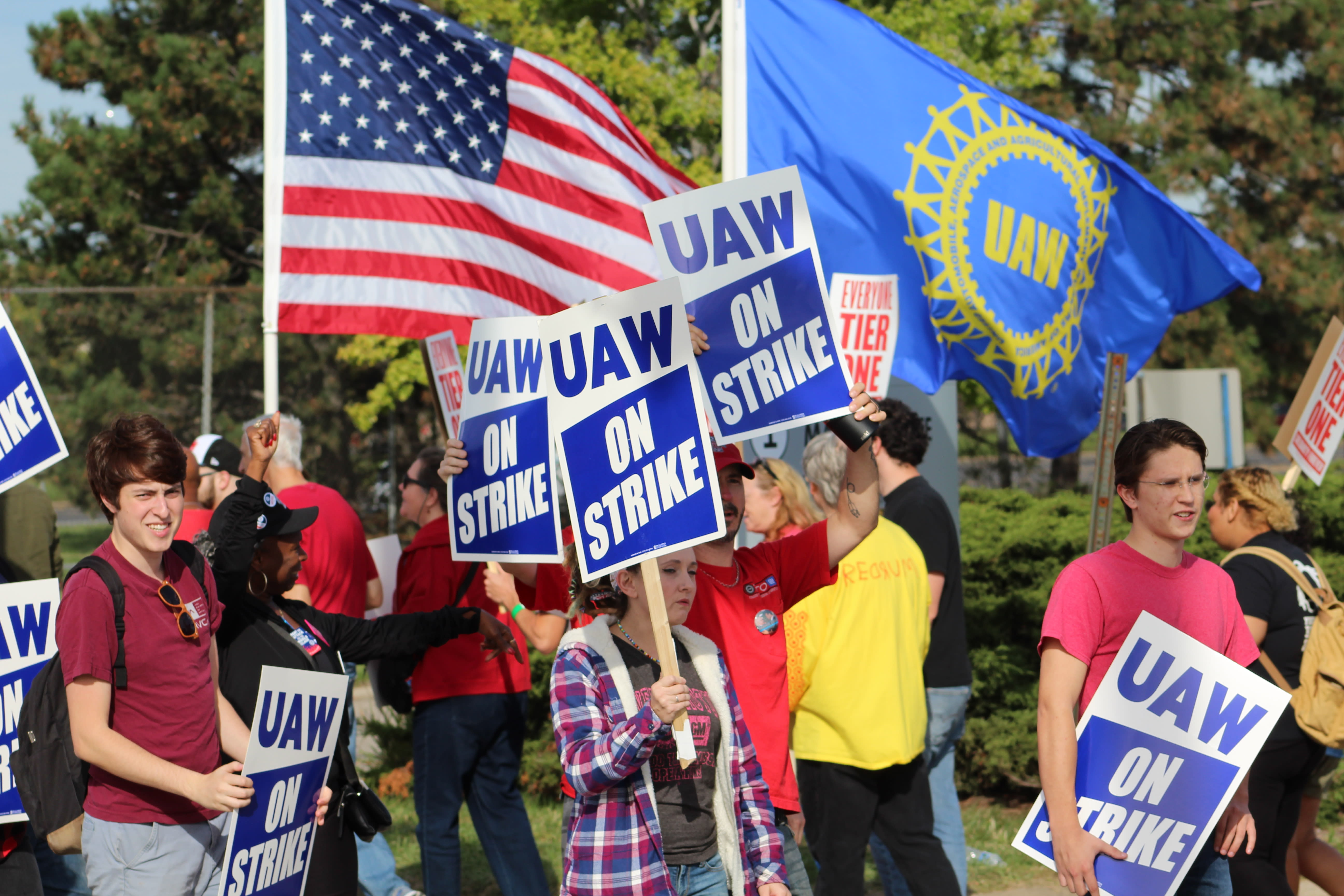 United Auto Workers summons local union leaders to Detroit as GM strike enters fifth week