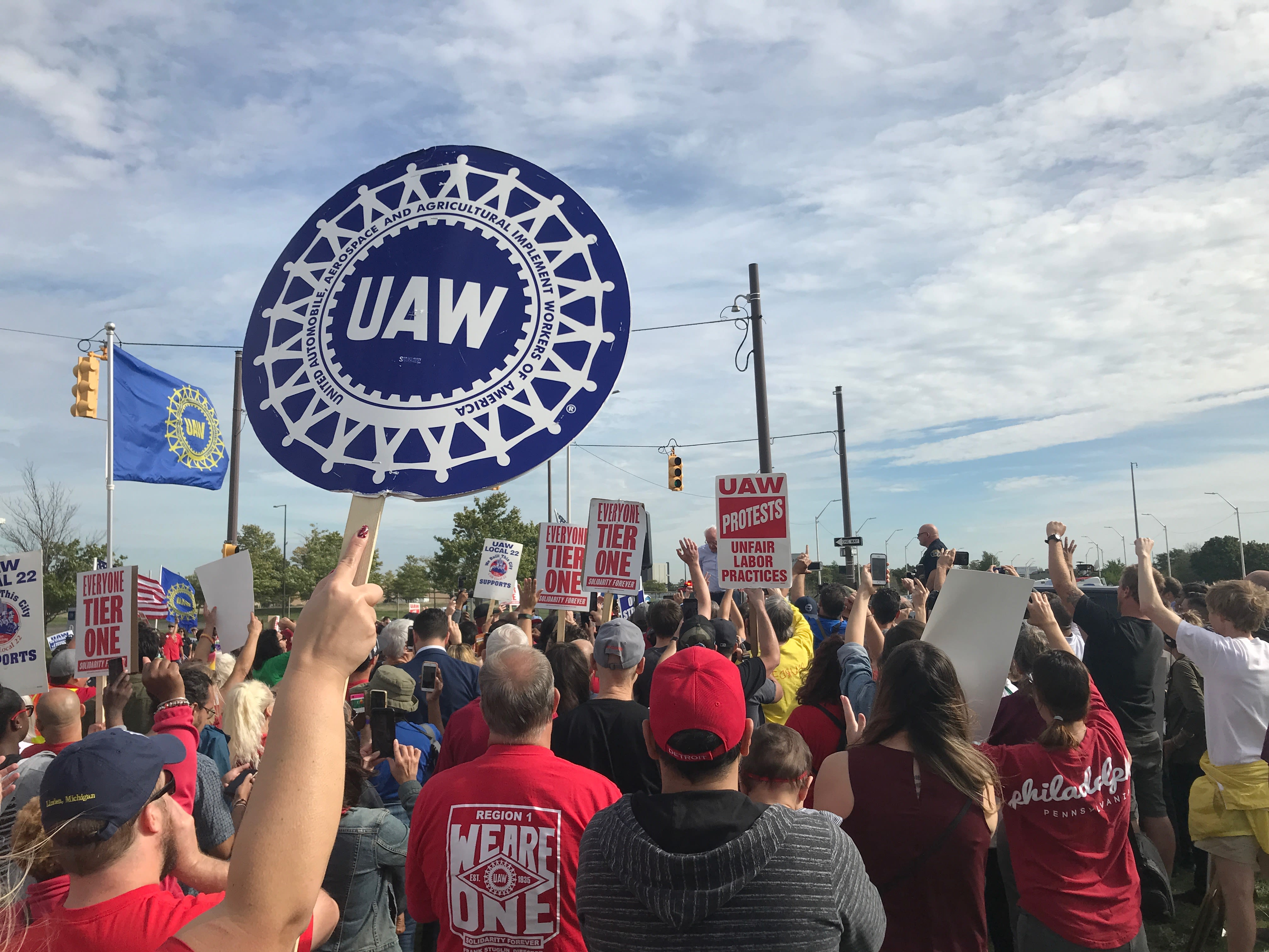 UAW member killed by vehicle while picketing against GM in Tennessee