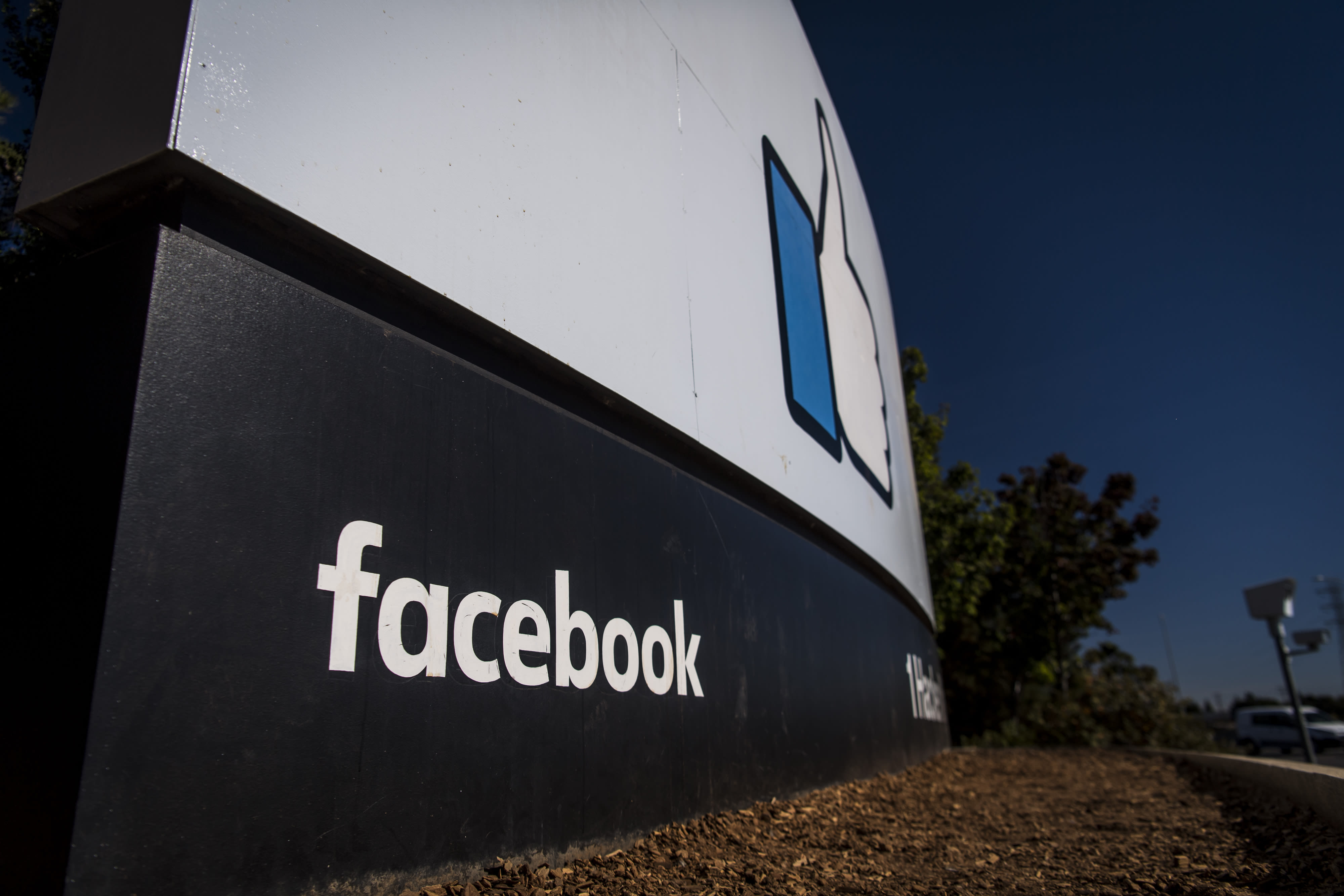 Facebook reaches agreement with UK regulator over suspected data misuse