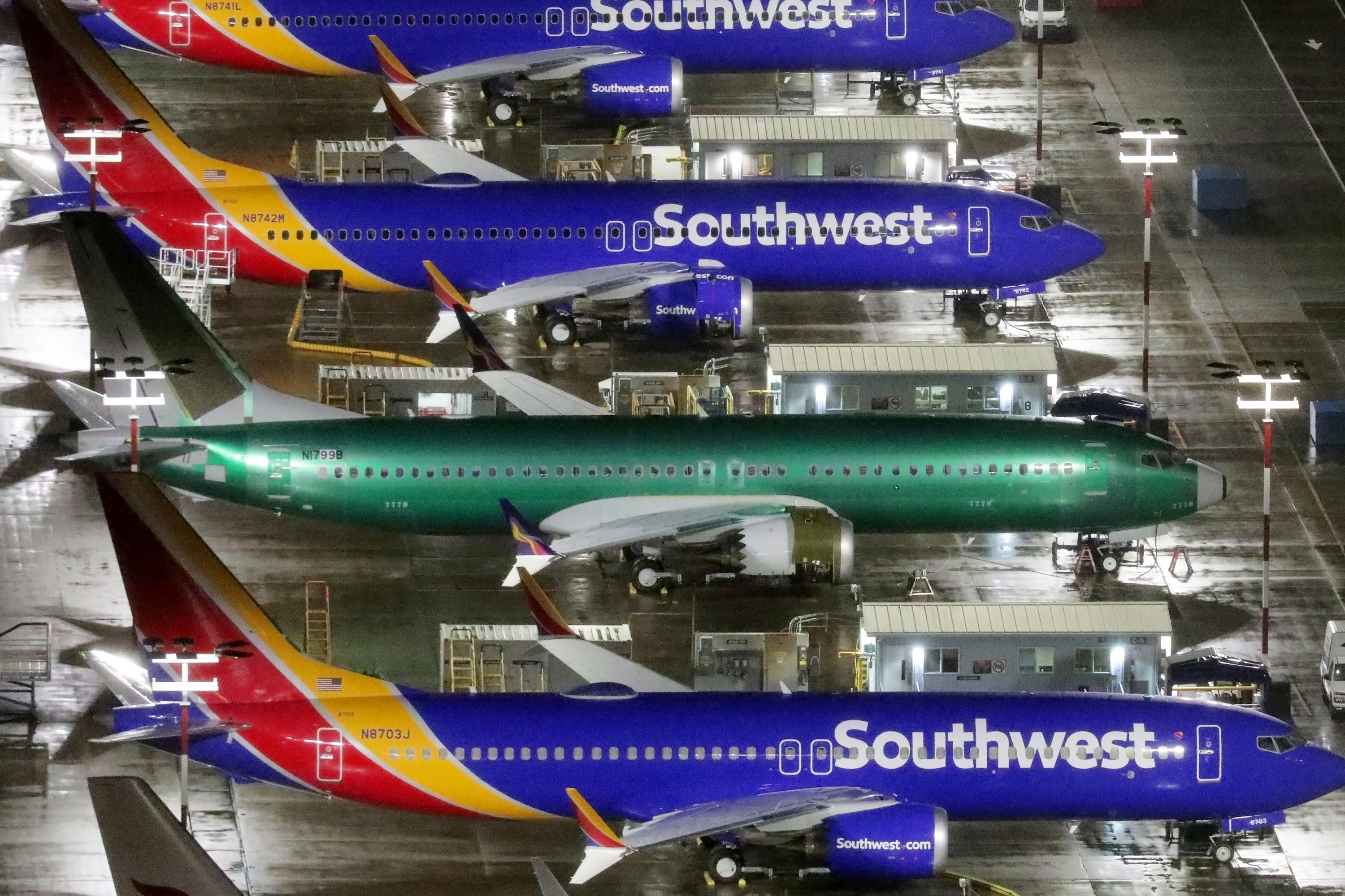 Boeing's head of commercial airplanes to leave company amid 737 Max crisis