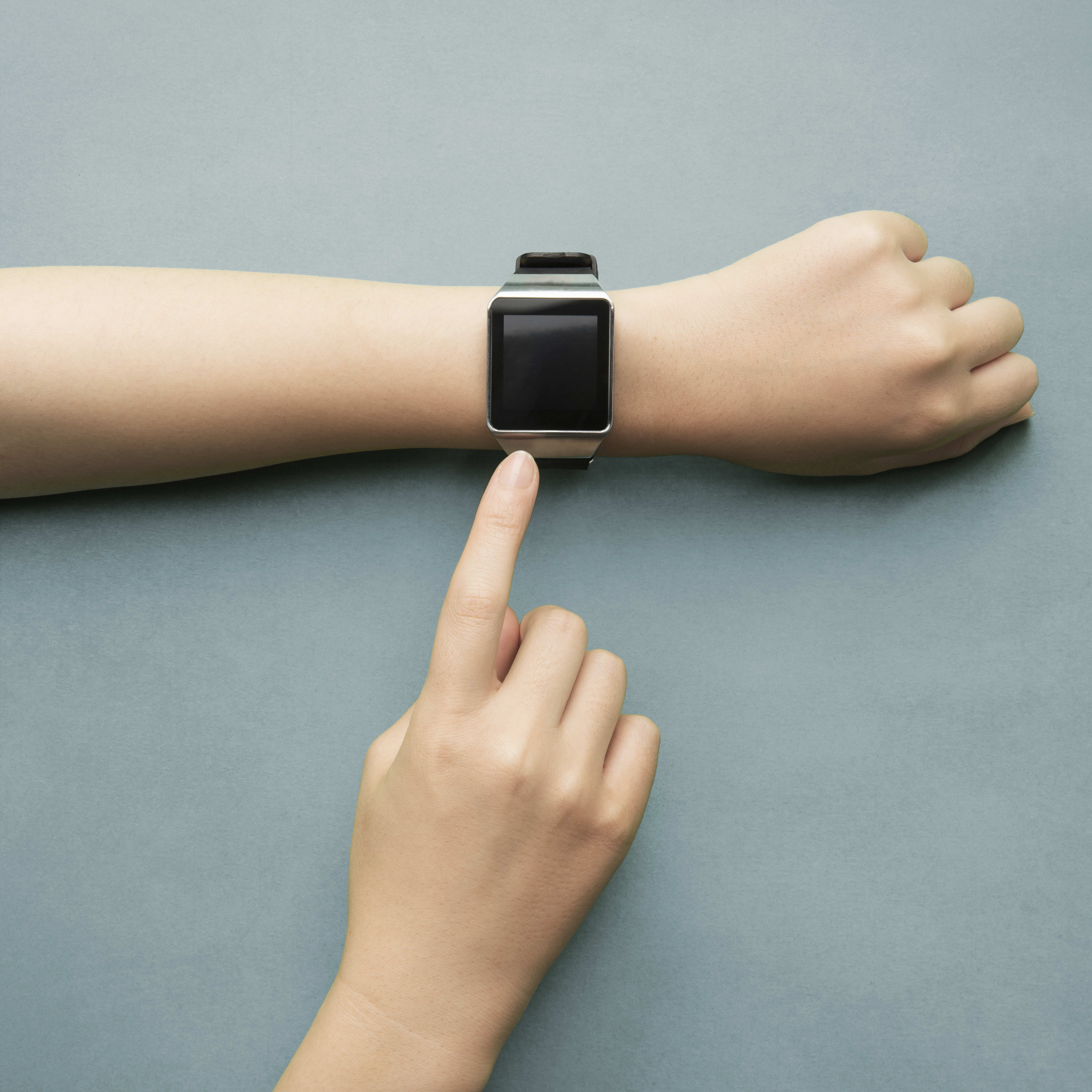Spending on wearables predicted to hit $52 billion next year as prices fall