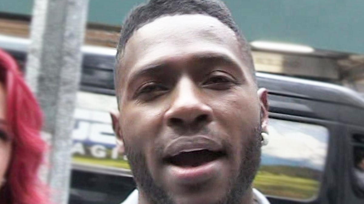 Antonio Brown Was a 'Belligerent' Lunatic During Deposition, Lawyer Claims