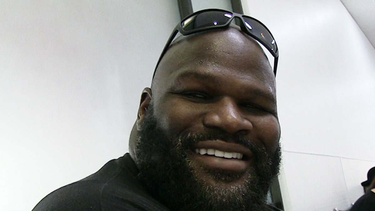 Mark Henry on Handling Hecklers During Stand-Up Gigs, 'I'll Kick Your Ass!'
