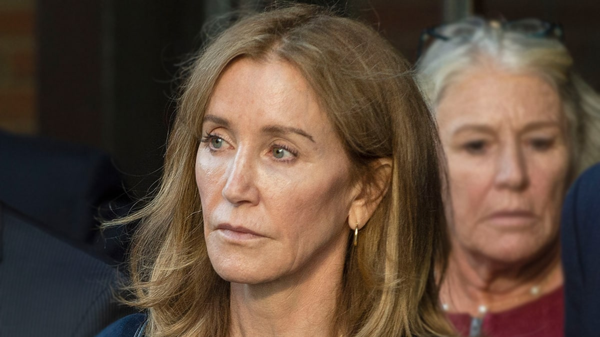 Felicity Huffman Turns Herself In to Serve College Bribery Sentence