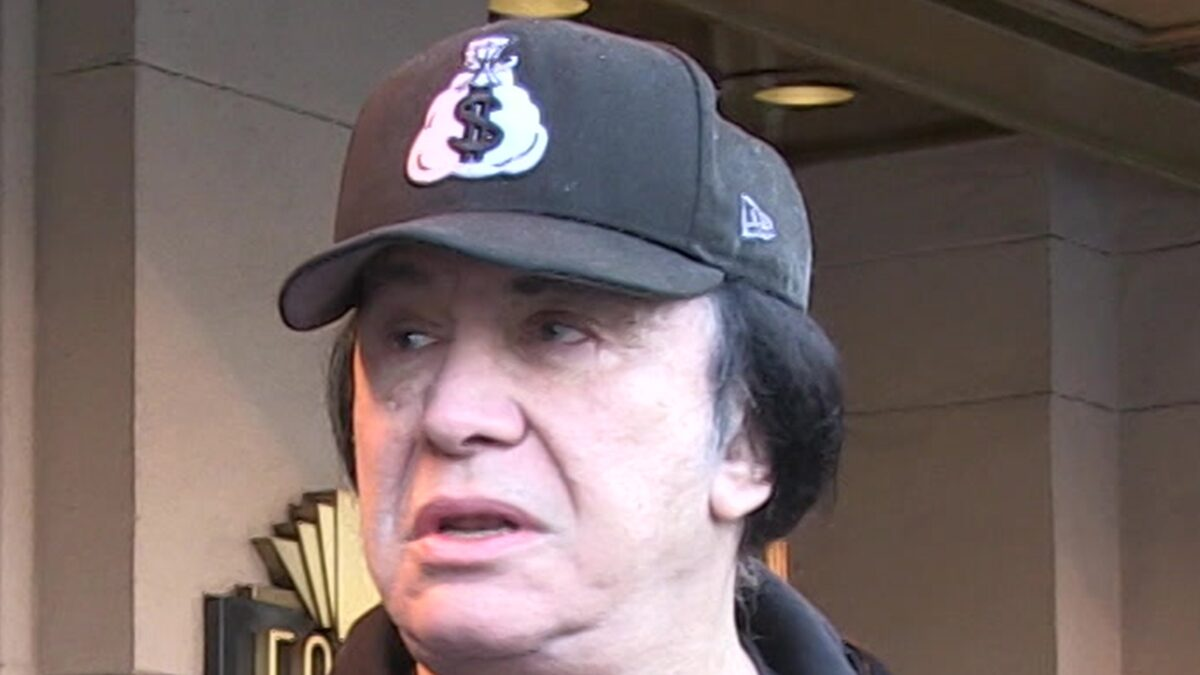 Gene Simmons Admitted to L.A. Hospital for Kidney Stone Procedure