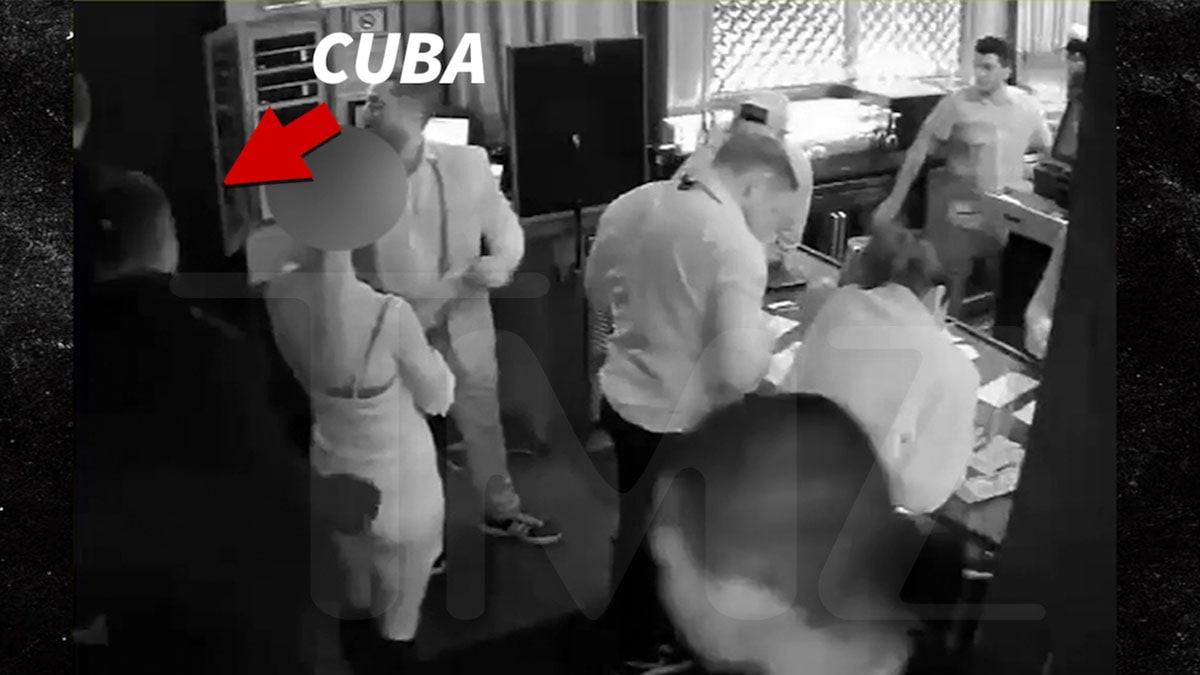 Cuba Gooding Jr. Touches Accuser's Butt on Security Vid, But No Clear 'Pinch'