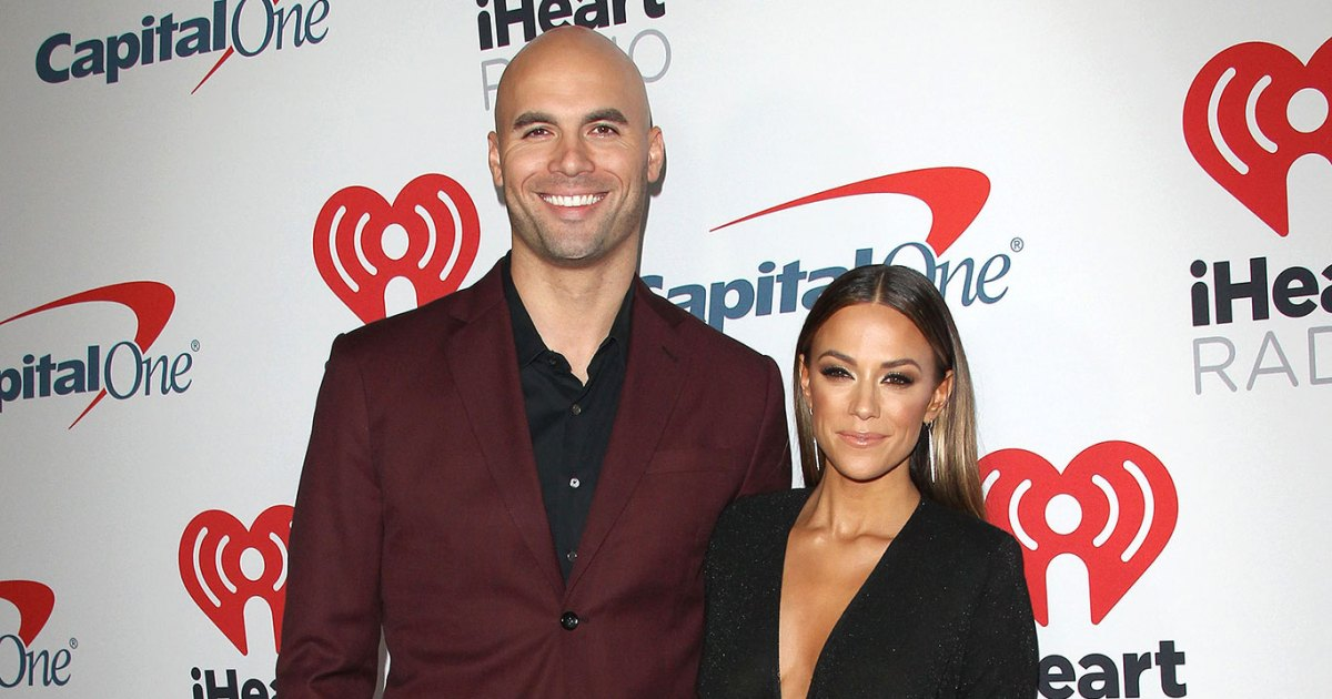 Jana Kramer Finds Woman's Topless Photo in Mike Caussin's Texts