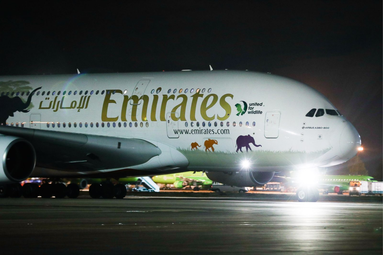 Emirates announces order for 50 Airbus A350 jets
