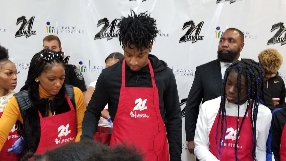 21 Savage Serves 300 Families Thanksgiving Meal in Georgia