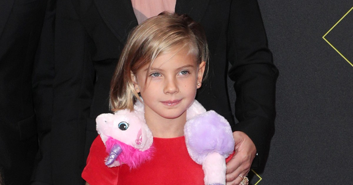 Pink's Daughter Willow Channels Bjork's Swan Dress at the People's Choice Awards