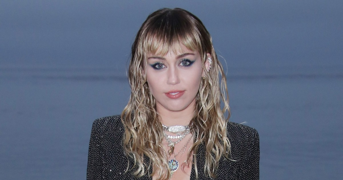 Miley Cyrus Has to Be Silent As She Recovers From Vocal Cord Surgery