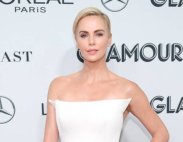 Only Charlize Theron Can Look This Good While In the Bathroom