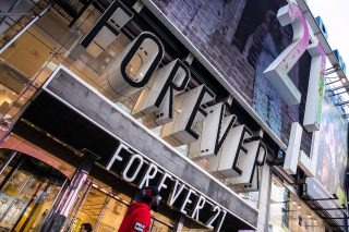 It's the last Christmas for some Forever 21 stores. Here's why the retailer went bankrupt.