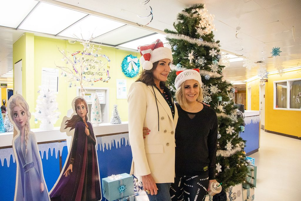 Luann de Lesseps Spreads Holiday Cheer by Handing Out Toys at Long Island Hospital