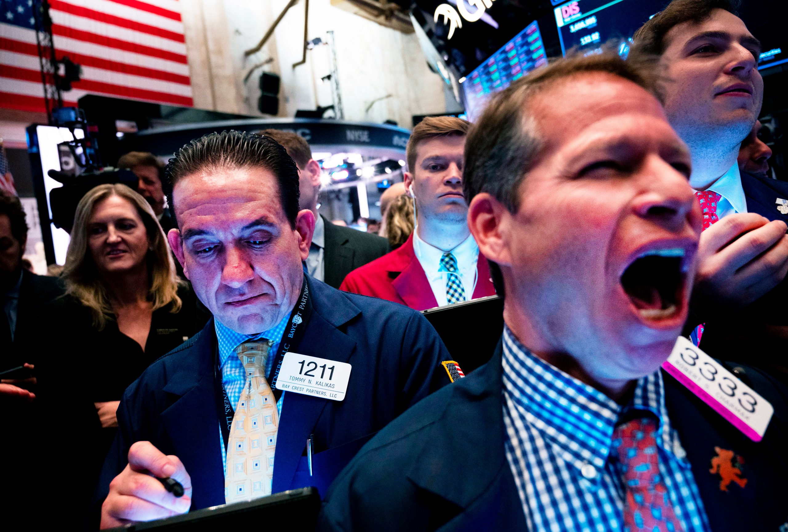 Charts show stocks will face pressure through most of Q1 2020, Jim Cramer says