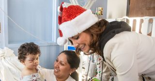 Luann de Lesseps Spreads Holiday Cheer by Handing Out Toys at Hospital