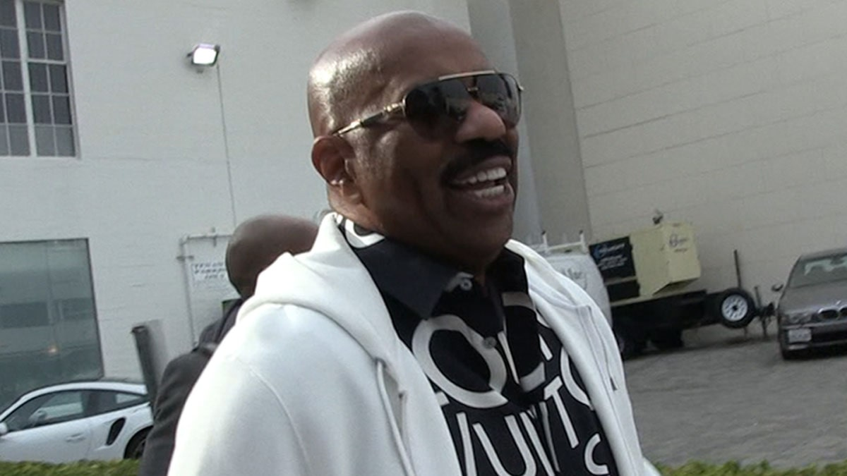 Steve Harvey Says Mark Curry's Lying About Him Stealing Jokes