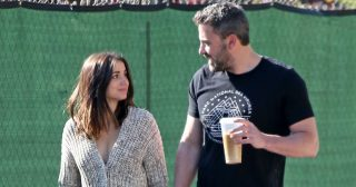 Ben Affleck Steps Out With Ana de Armas and Her Dog in L.A.: Pics
