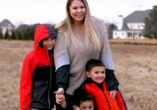 Teen Mom Star Kailyn Lowry Sprains Ankle And Is Now On Crutches While Pregnant With Baby Number Four