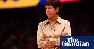 Muffet McGraw steps down as Notre Dame head coach after legendary career