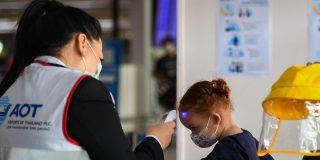 The CDC warned against a 'poorly designed' plan to implement temperature screenings at 20 US airports. The White House is reportedly moving forward with it anyway.