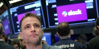 Slack will boost its spending on AWS to $425 million and Amazon employees will be able to start using Slack as the two companies deepen their partnership (AMZN, WORK)