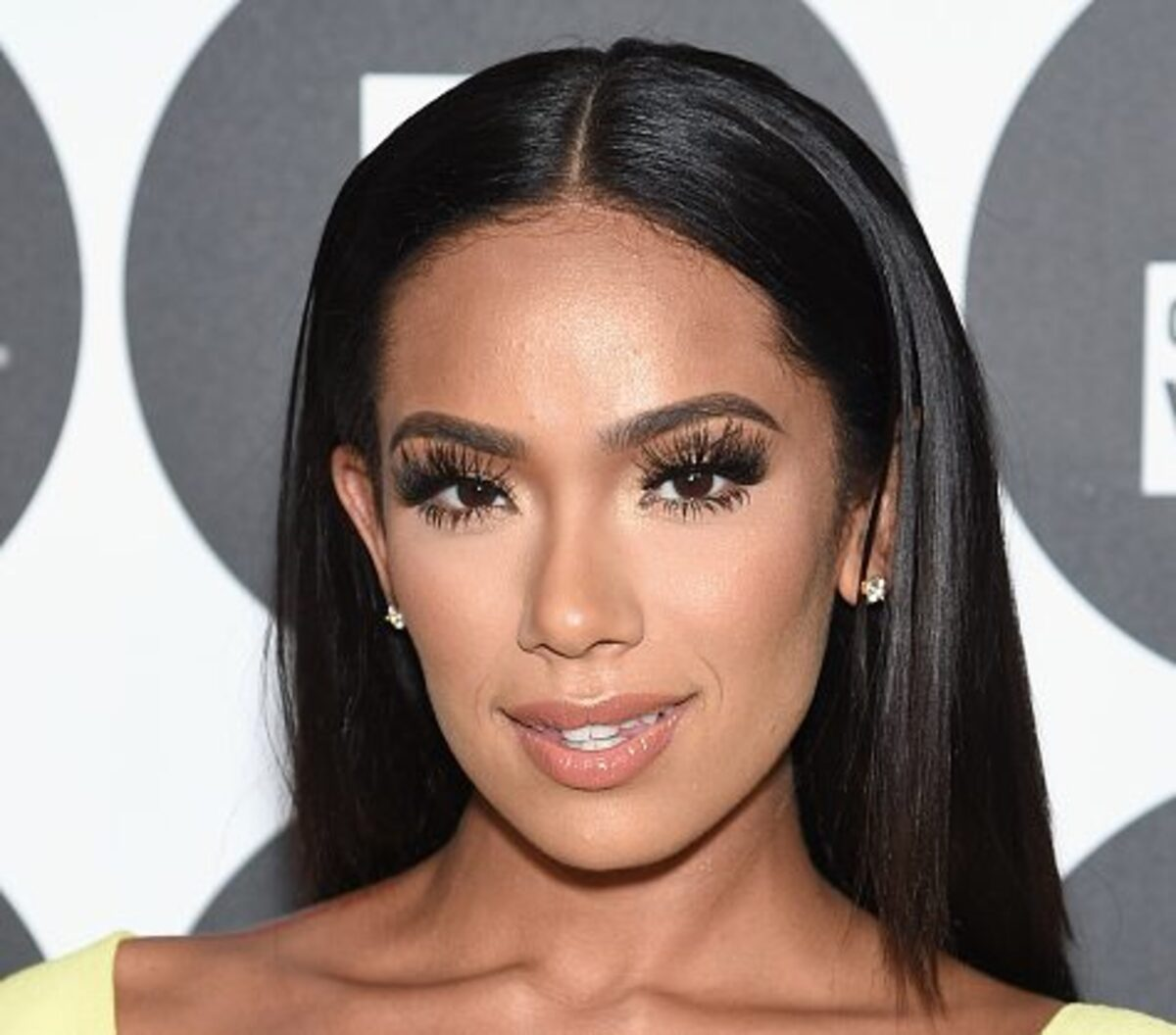 Erica Mena Is Strong To The Core – Check Out Her Amazing Figure That Makes Safaree Samuels Crazy