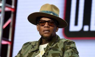 D.L. Hughley Drags Kanye West – You Can't Be 'Humane And A Black Trump Supporter' At Same Time!