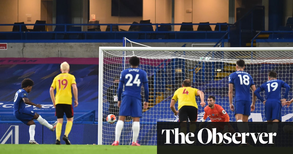 Olivier Giroud puts Chelsea on path to comfortable win over Watford