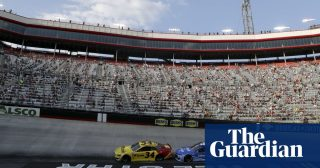 Nascar race in Bristol draws 20,000 fans, largest US sports crowd since March