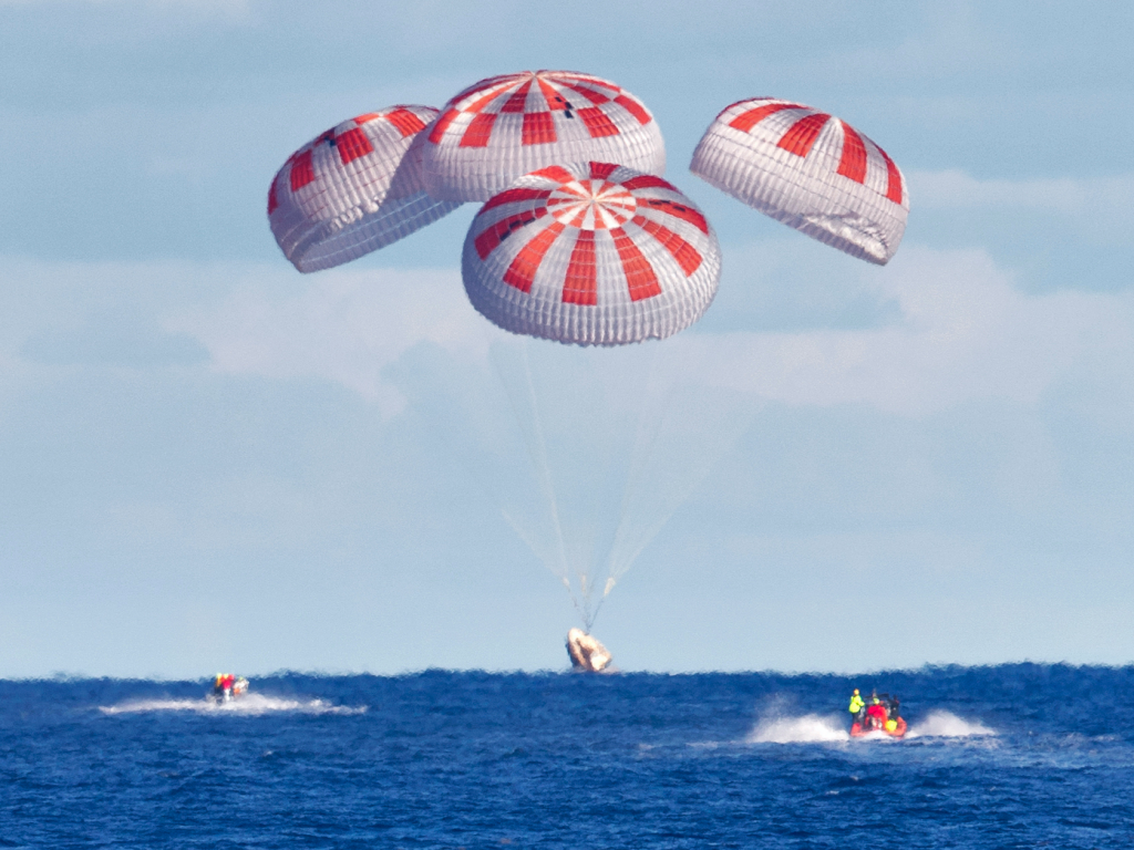 spacex crew dragon spaceship demo1 demo 1 parachutes splash down splashdown atlantic ocean cape canaveral florida nasa KSC 20190308 PH_CSH01_0192_orig