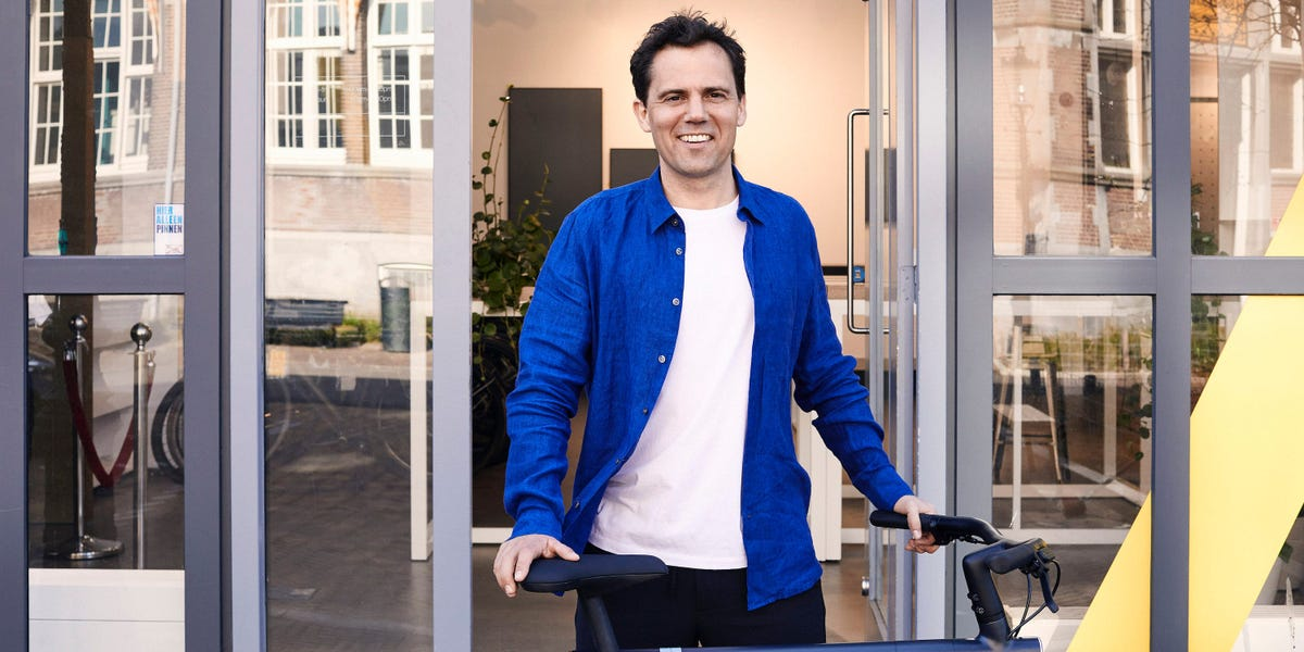 Popular Dutch e-bike startup VanMoof has raised $40 million as growth explodes — here's an exclusive look at its pitch deck