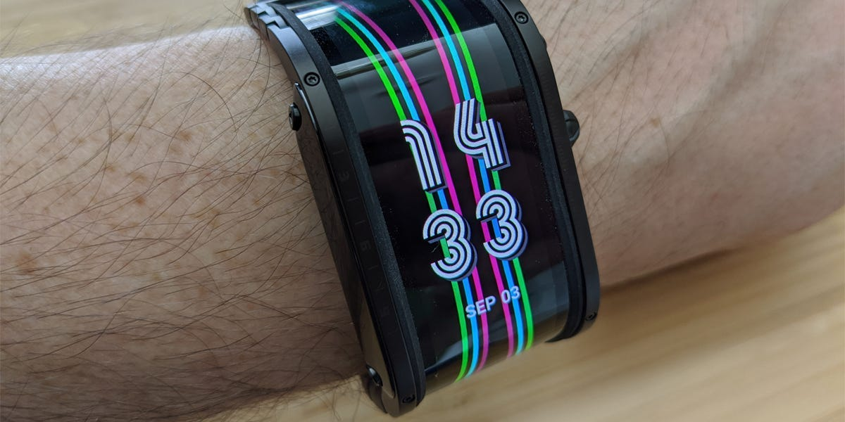 The Nubia Watch's curved screen in an intriguing glimpse into what smartwatches could look like in the future, but you'll regret buying this half-baked product