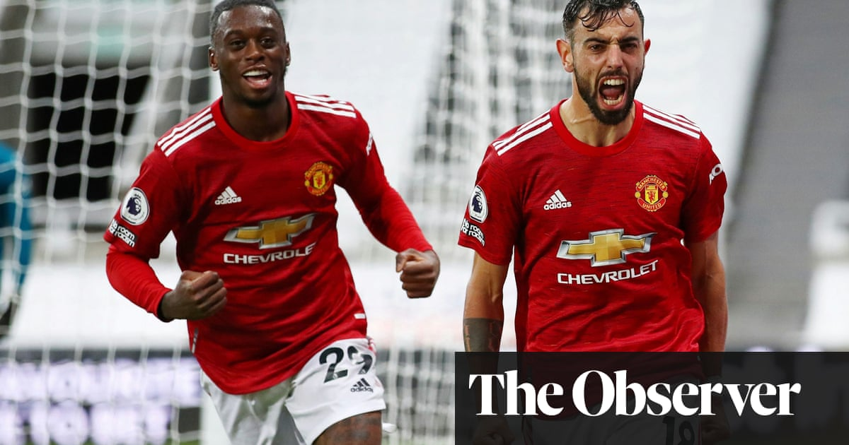 Manchester United score three late goals to seal comeback win at Newcastle