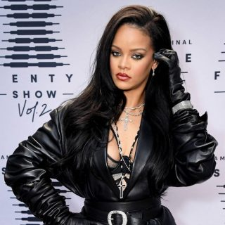 """Barack Obama Boasts That This Rihanna Song Is a """"Jam"""" He Can Sing Perfectly"""