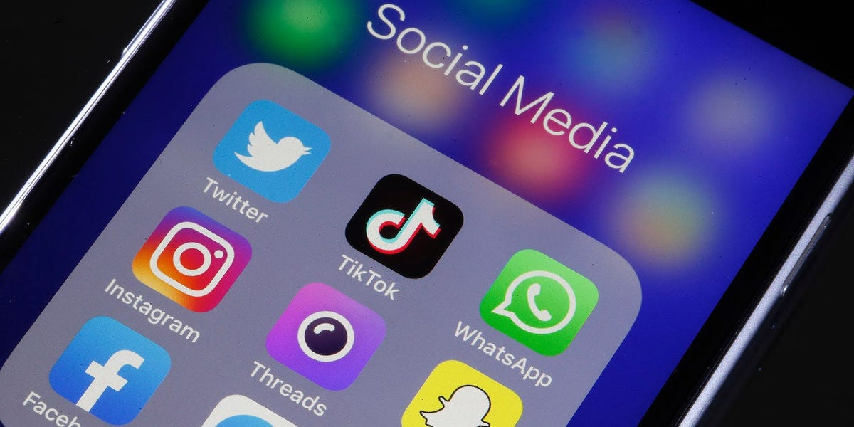 How to block social media apps from yourself to stop distractions and be more productive