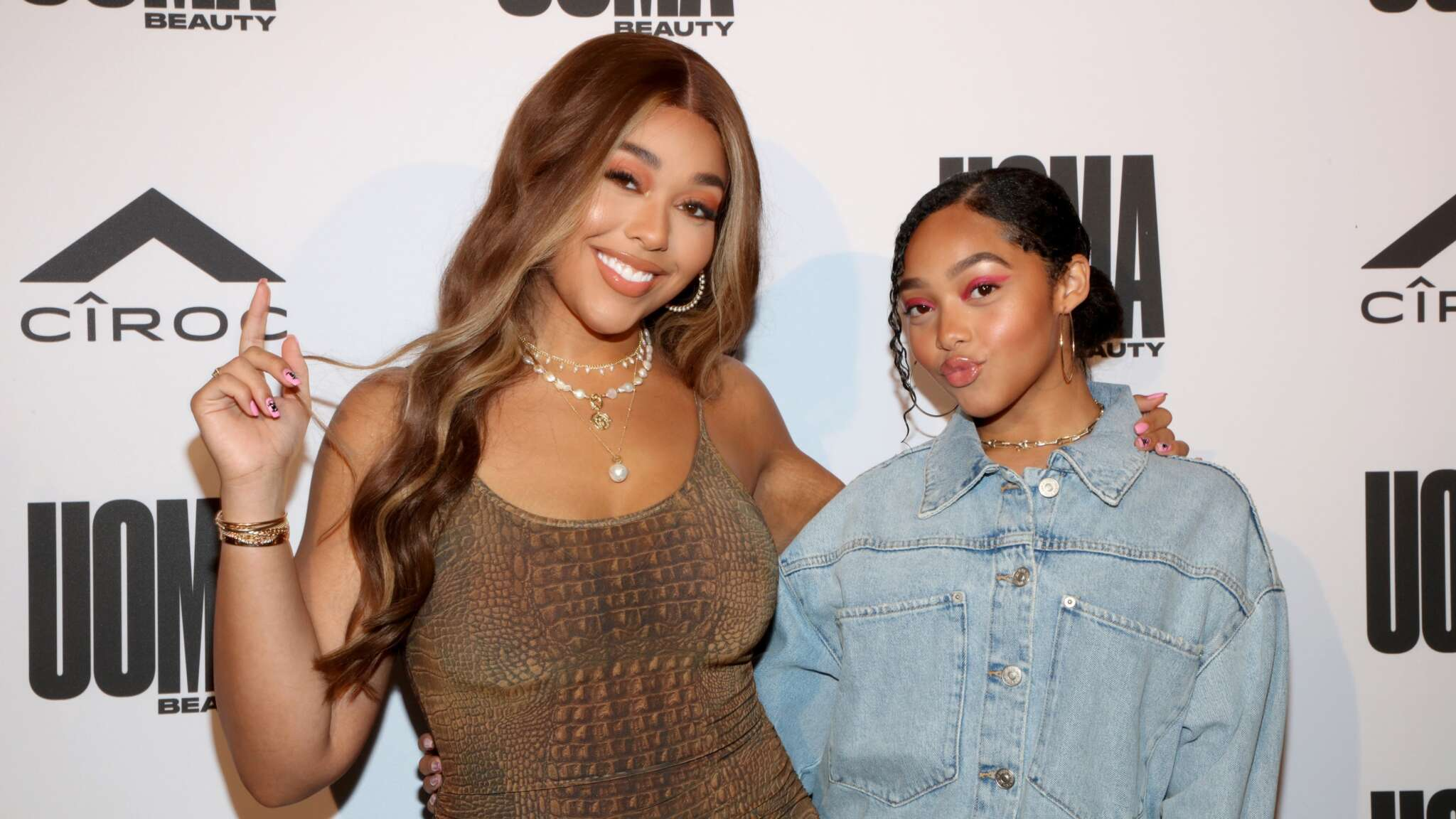 Jordyn Woods Poses With Her Sister, Jodie Woods And They Are Twinning!