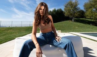 Khloe Kardashian Ditches The Stretching Effect To Model This Good American Outfit!