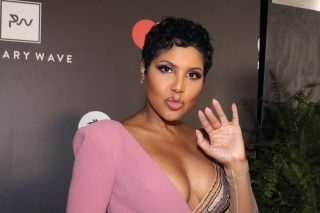 Toni Braxton's 2005 Throwback Photo Has Fans Drooling